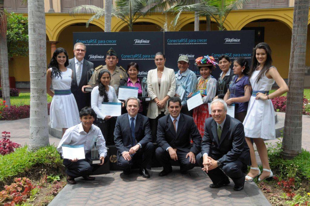 El primer lugar del Gran Premio lo obtuvo la Asociación de Turismo Rural Solidario (ASTURS), de Capachica (Puno),  representada  por Walter Pancca Paúcar.