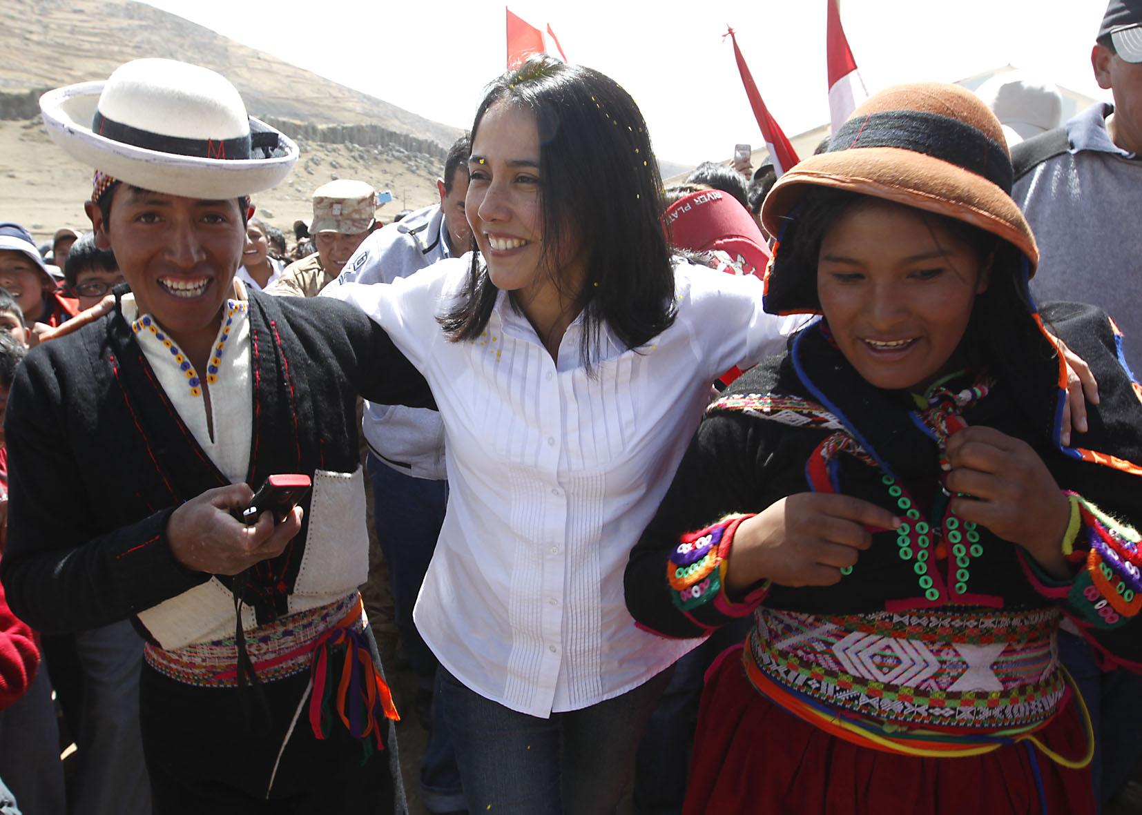 """Primera Dama dio inicio a proyecto piloto """"Juguemos"""" en comunidad campesina de Huancavelica"""