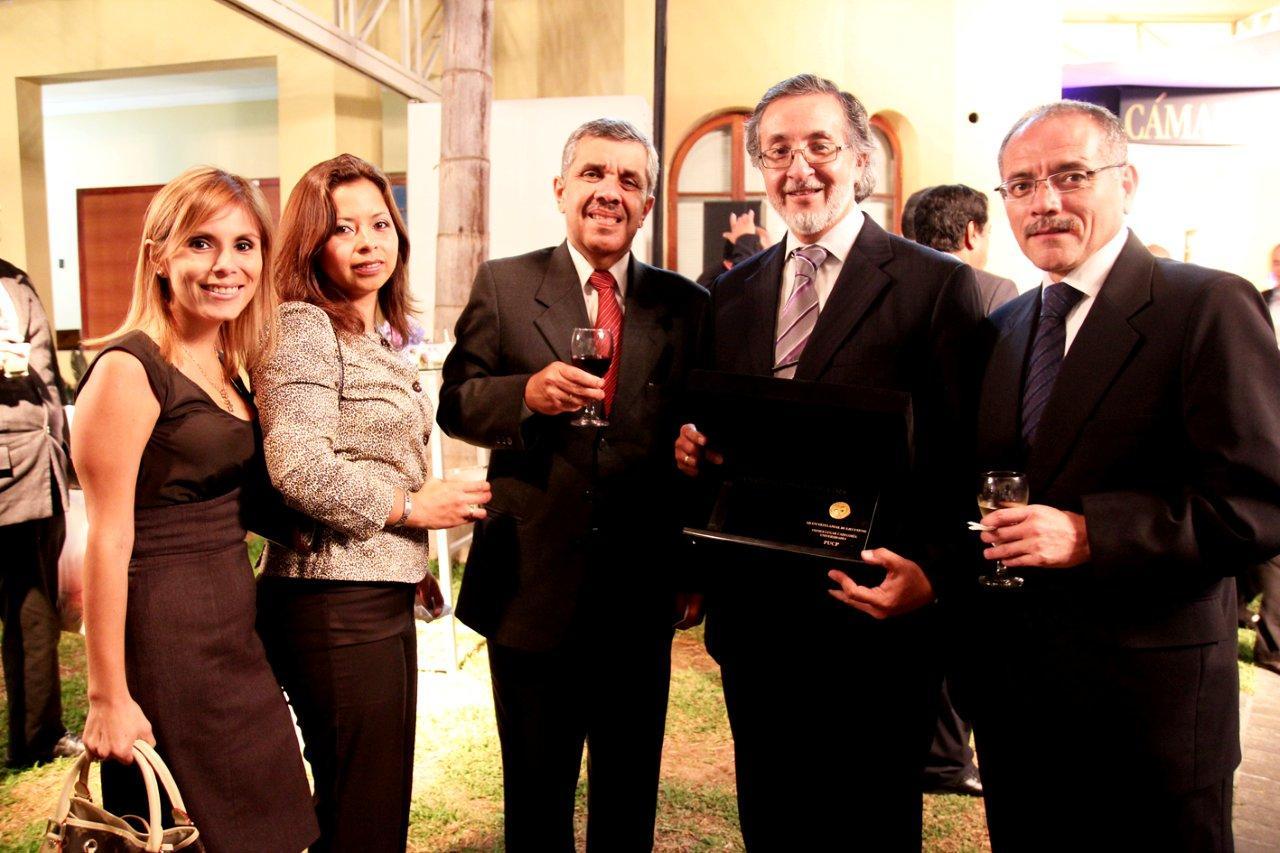 Paola Sandoval y Ejecutivos de la PUCP