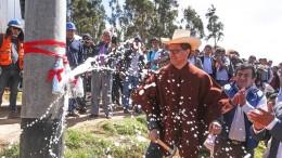 Ministro Francisco Ísmodes instaló en Cutervo primer poste de sistema de electrificación integral para siete provincias de Cajamarca